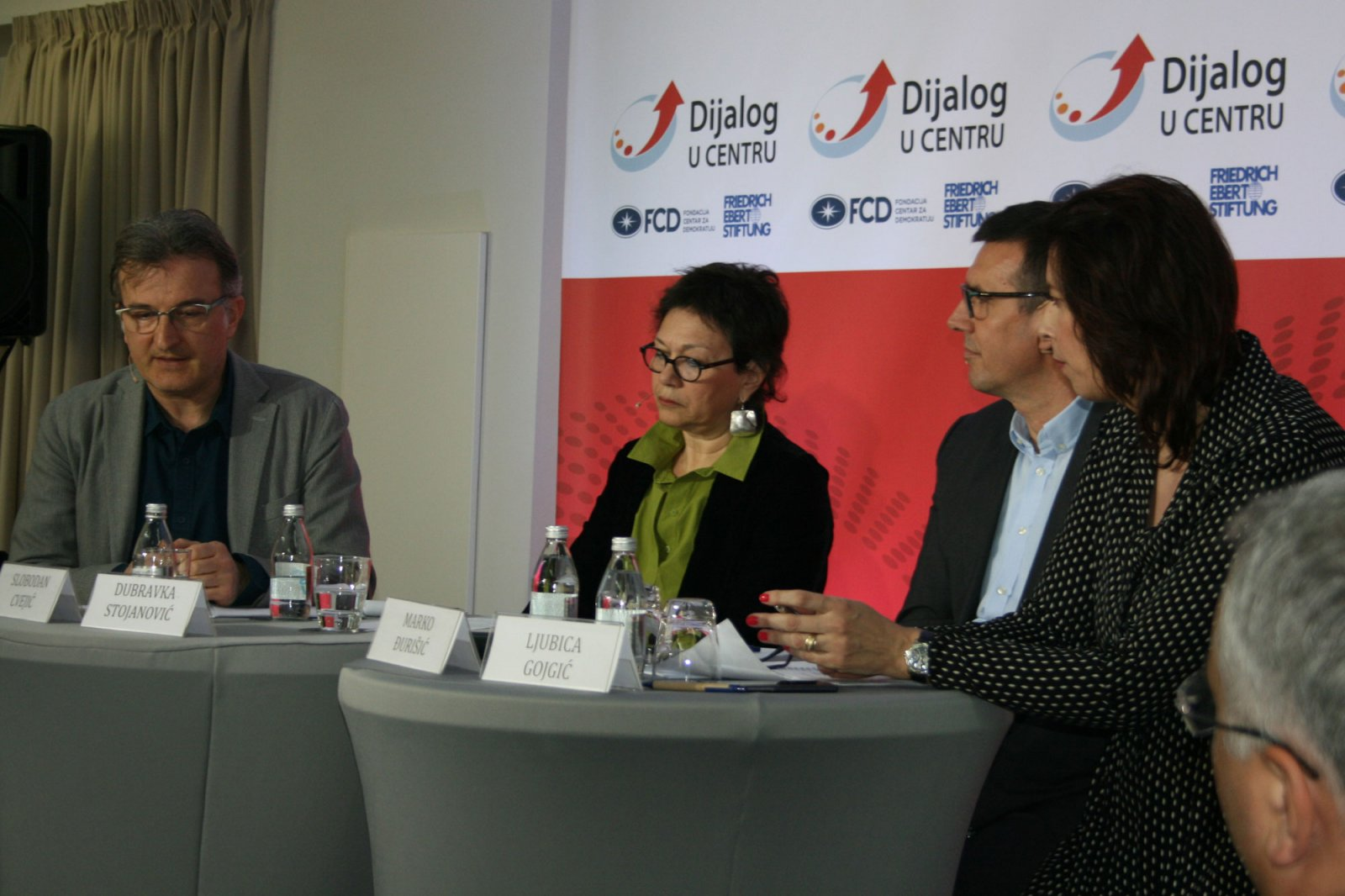 Dialogue in the Center: How to Reach a Political Solution? - Civic protests as a reaction to a deficit of justice and weakness of institutions